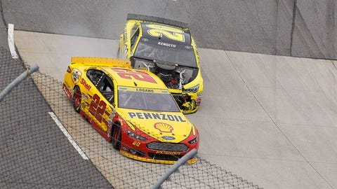 Kenseth-Logano, Round 2 at Martinsville