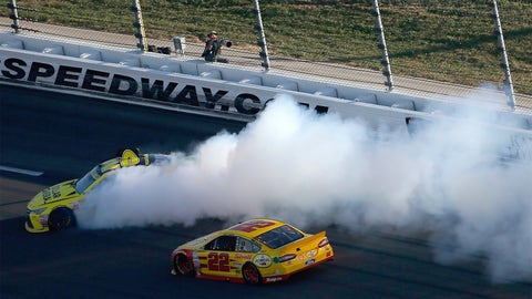 2. Kenseth-Logano, Round 1 at Kansas