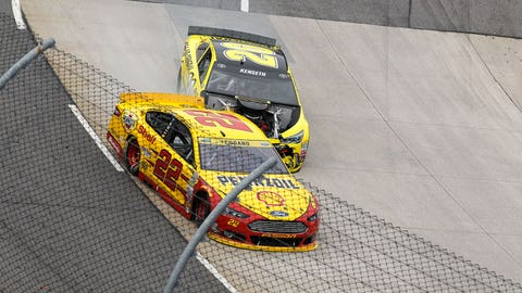 Kenseth vs. Logano