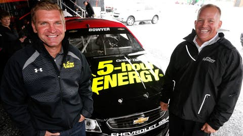 Clint Bowyer moves to HScott Motorsports