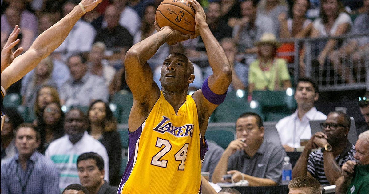 He S Baaack Kobe Makes Preseason Debut For Lakers In