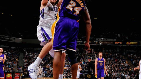Spencer Hawes puts Kobe in carbonite