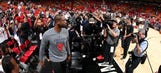 Watch fans give Dwyane Wade a standing ovation in his return to Miami