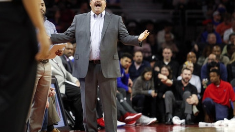 Detroit Pistons: A nice, relaxing vacation for Stan Van Gundy