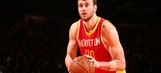 Lakers reportedly look at 7-foot free agent Donatas Motiejunas