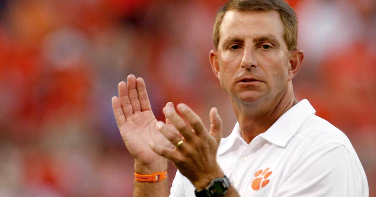 Photo Swinney Sends Beamer A Token Of Appreciation Fox
