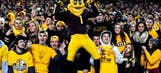WATCH: Arizona State football commit slams home nasty dunk, shatters backboard
