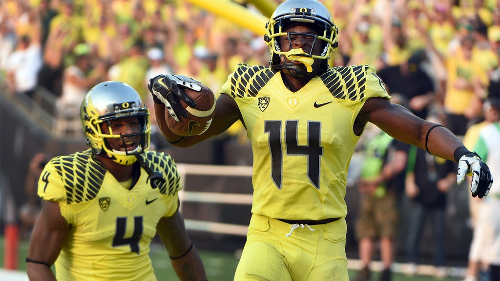 official photos 49f73 4410d Oregon college football uniforms, ranked by someone who ...