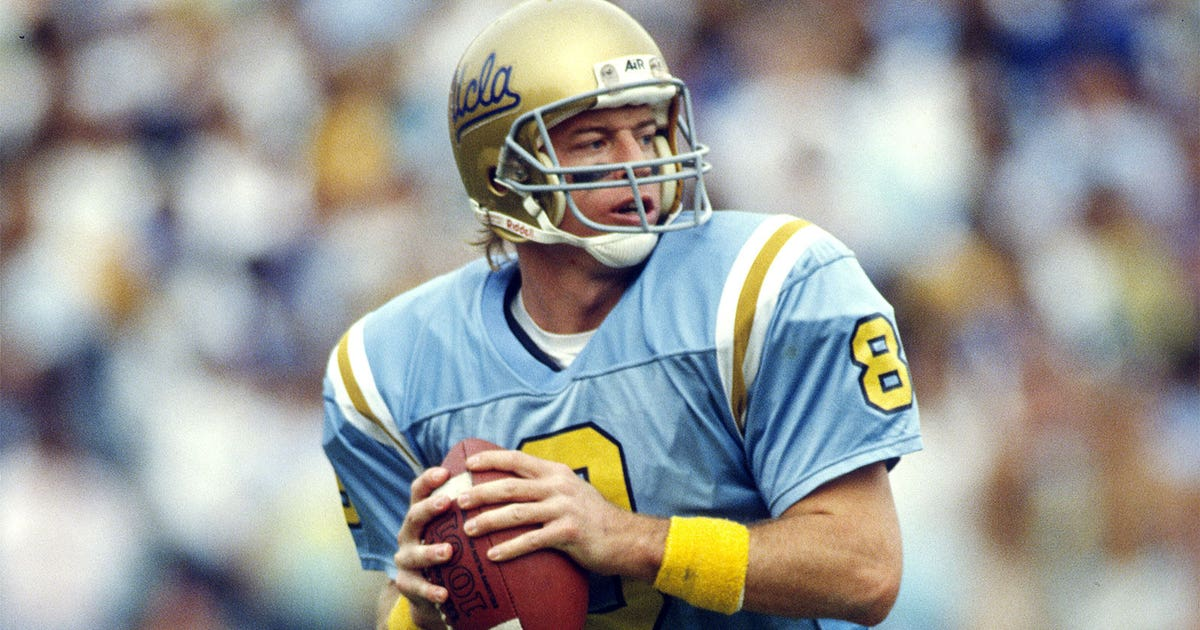 Ucla Band Celebrates Troy Aikman As His Jersey Is Retired