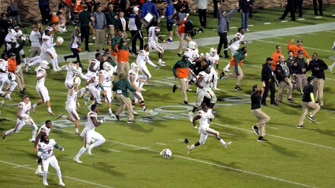 Oct. 31, 2015 -- Miami wins on controversial lateral play