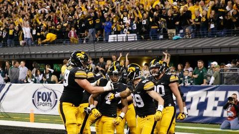 Iowa (329 points)