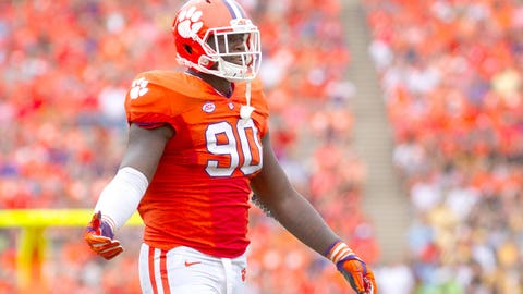 Clemson defensive end Shaq Lawson