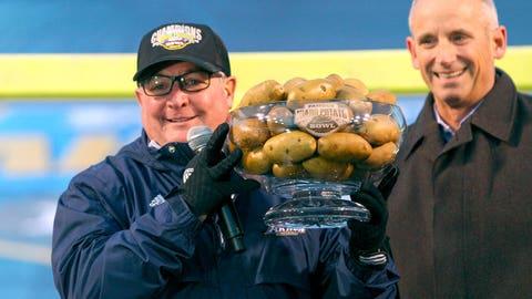Famous Idaho Potato Bowl: Akron vs. Utah State