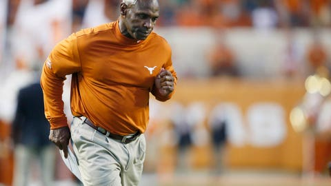 Charlie Strong's seat is hot … again