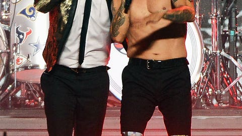 Mars, Chili Peppers unite
