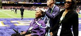 Ex-NFLer O.J. Brigance, diagnosed with ALS in 2007, does Ice Bucket Challenge