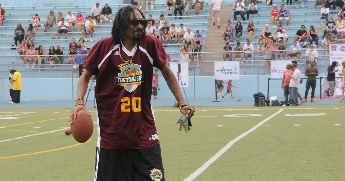 Snoop Dogg Pens Fight Song For Son S Top Ranked High