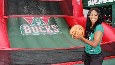 FOX Sports Wisconsin Girl Bishara joined the Bucks at their Packers tailgate on Oct. 2nd.