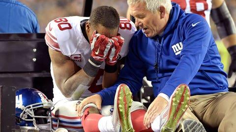 New York Giants wide receiver Victor Cruz (knee)