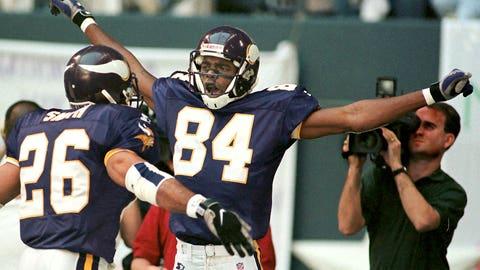Leading Vikings to 15-1 in 1998, setting scoring record