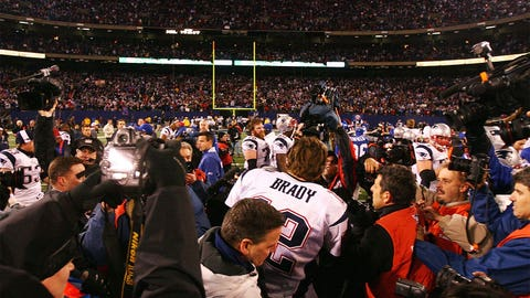 2007 season: New England 38, New York Giants 35