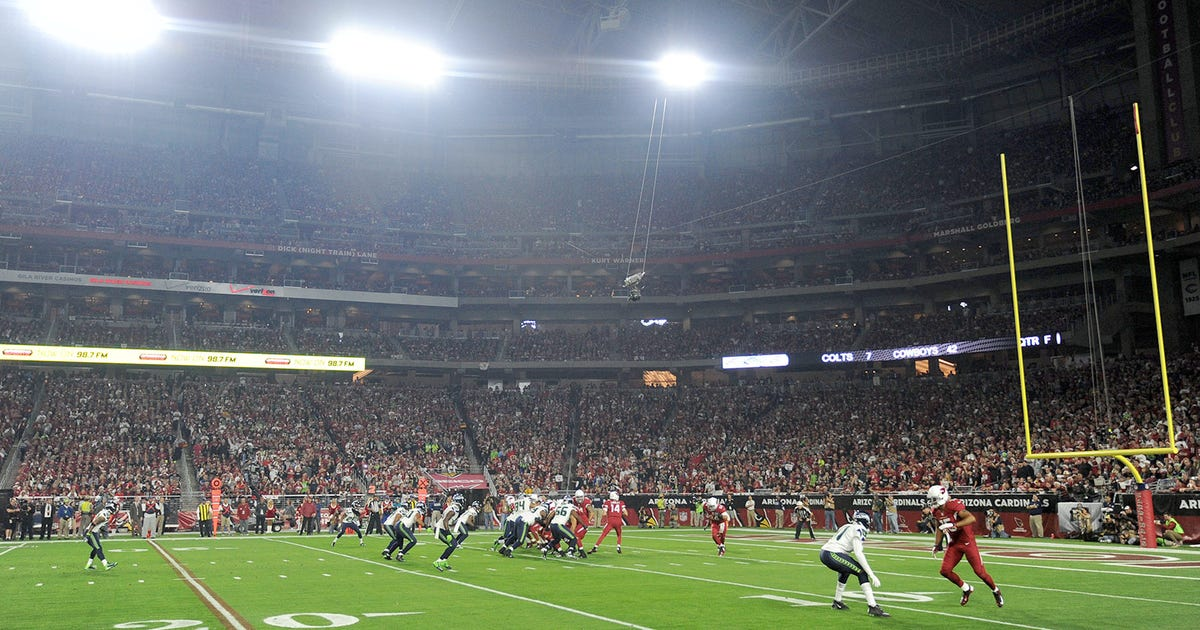 Will Patriots Seahawks Play Under The Roof During Super