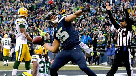 Jermaine Kearse launches a football into the crowd (January 2015)