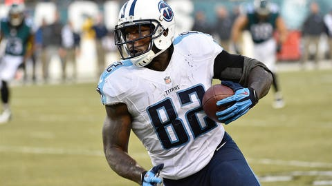 Delanie Walker hangs in there