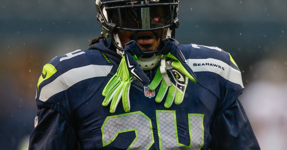 Lynch wears Chancellor s jersey during Seahawks practice  add482c7f
