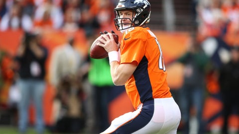 Nov. 15 -- Peyton Manning breaks NFL's all-time passing yards record