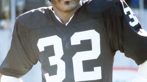 Super Bowl XI: Jack Tatum crushes Sammy White