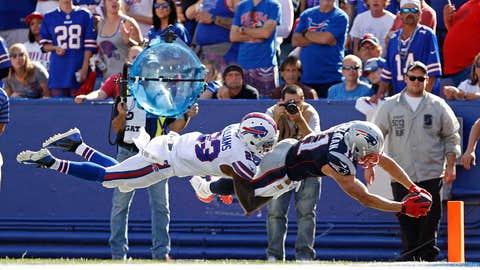4. 'Air Edelman' takes flight vs. Bills