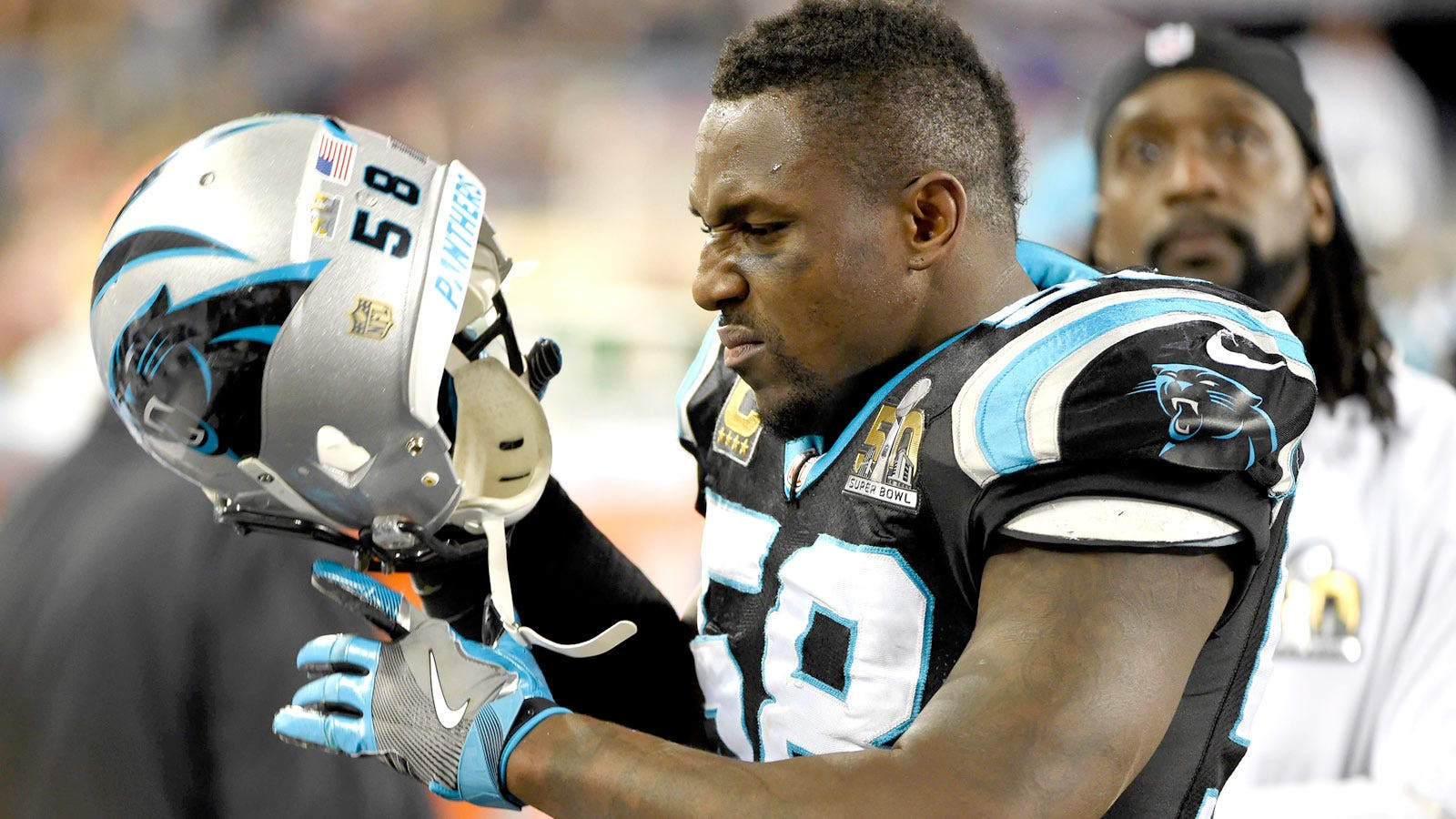 separation shoes 4571b f5a13 Thomas Davis shares horrifying photo of his arm after Super ...