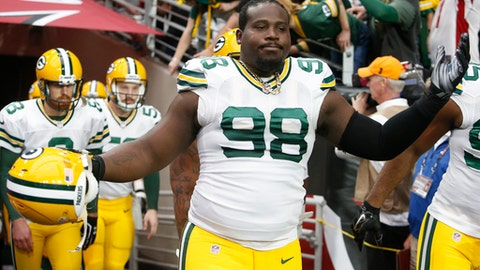 Letroy Guion, DT, Packers (knee)