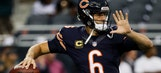 Bears' Jay Cutler leaves with apparent hand injury