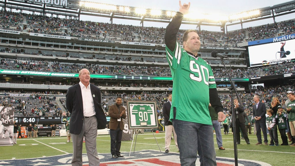 premium selection 1b92a b4ff1 Former New York Jet Dennis Byrd killed in car accident at ...