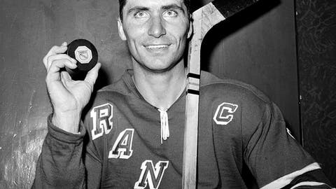 Andy Bathgate, NHL winger, Aug. 28, 1932-Feb. 26, 2016