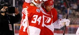 Richards helps Red Wings to 5-3 win over Avs in outdoor game