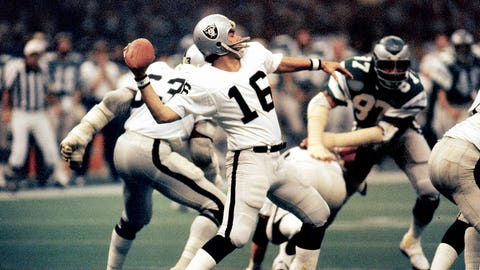 Super Bowl XV: Jim Plunkett and Kenny King connect on an 80-yard TD