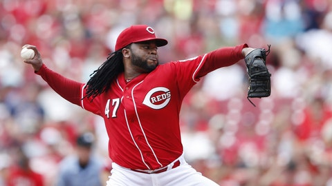 Reds trade Cueto to Royals