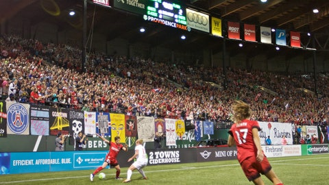 NWSL Shield winners: Portland Thorns (12-3-5, 41 pts)