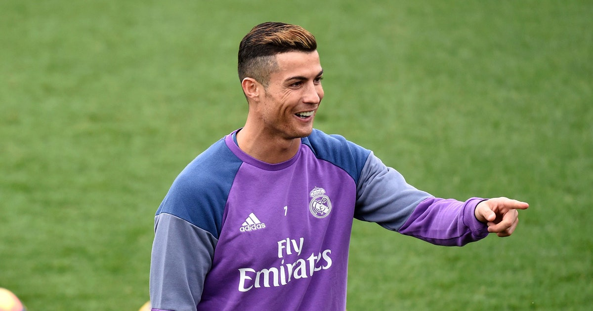 Cristiano Ronaldo Debuts New Golden Hairdo And Everyone Freaks Out