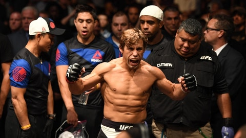 Urijah Faber vs. Brad Pickett